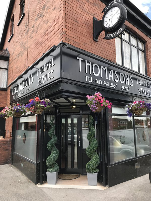 Thomasons Funeral Service, Oakwood, Leeds, funeral director in Leeds