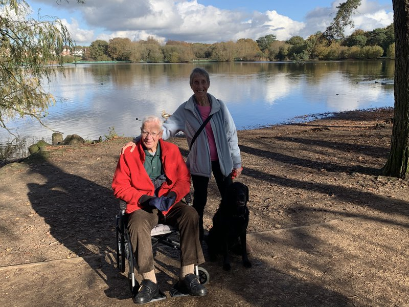 Trip round Petersfield Lake for coffee and cake with Jimbo, Jane & Bruce                  (10th November 2020)