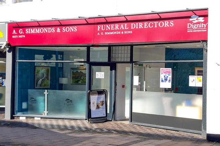 A G Simmonds & Sons Funeral Directors