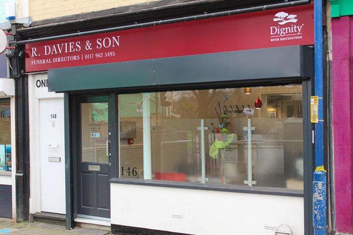 R Davies & Son Funeral Directors, St Pauls