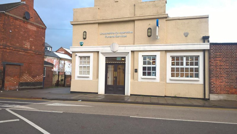Lincolnshire Co-op Gainsborough Funeral Home, Lincolnshire, funeral director in Lincolnshire