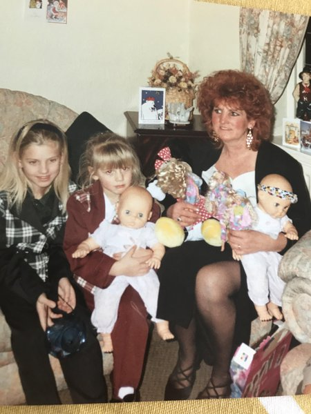 Shirley with her granddaughters  Stacie & Chloe ❤️