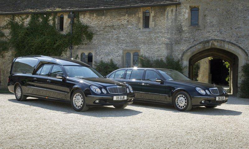 D J Bewley Funeral Directors, Melksham, Wiltshire, funeral director in Wiltshire
