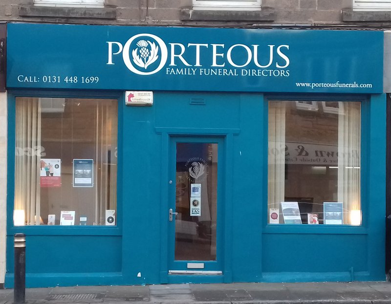 Porteous Family Funeral Directors, Loanhead, Midlothian, funeral director in Midlothian