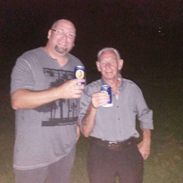 The time dad and I had a beer together I love this photo of us 👍❤️😁😭😭😇😇