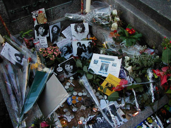 Jim Morrison's grave in Paris. Photo by Jürgen Schuschke.