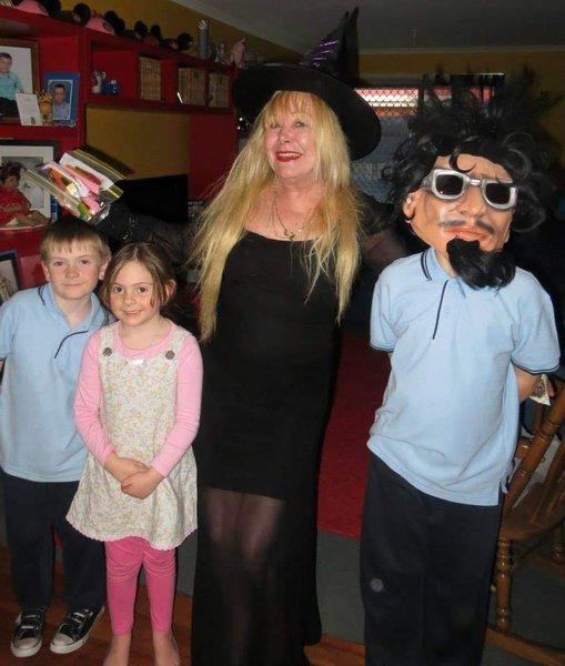 Janine on Halloween with Kaine, Taylor & Mahalia