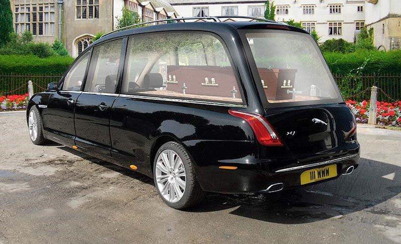 Daniels & Turner Funeral Directors, Wiltshire, funeral director in Wiltshire