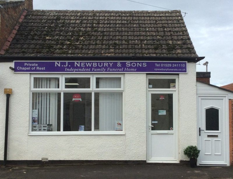 N J Newbury & Sons, Lincolnshire, funeral director in Lincolnshire