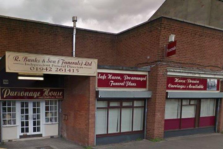 R Banks & Son (Funerals) Ltd, Leigh
