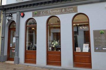 E C Thomas & Son, Main Street