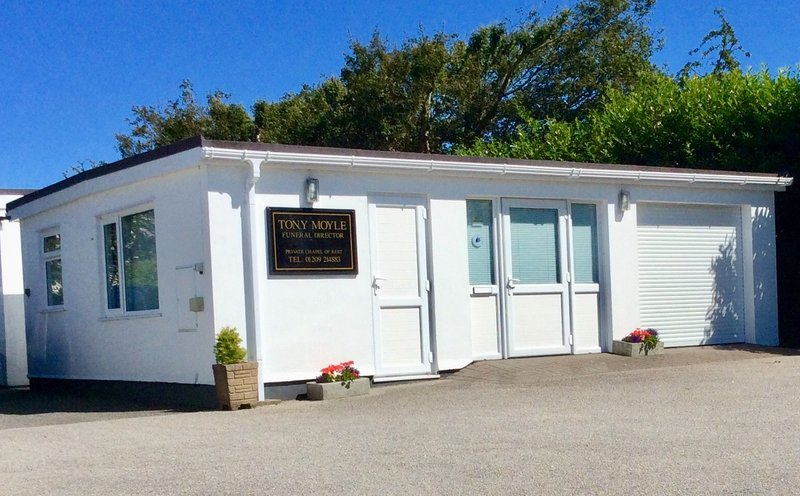 Tony Moyle Independent Funeral Director, Cornwall, funeral director in Cornwall