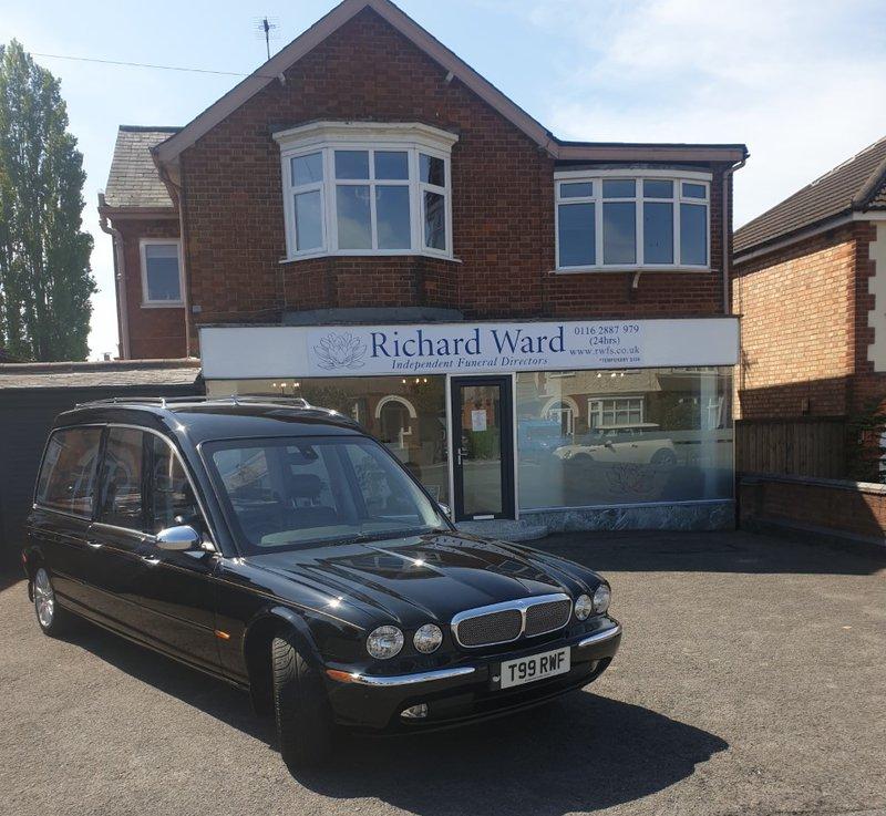 Richard Ward Funeral Services Ltd, Wigston, Leicestershire, funeral director in Leicestershire