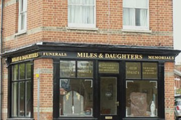 Miles & Daughters, Twyford