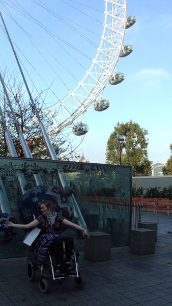 Mirren at the London Eye. Happy times xx