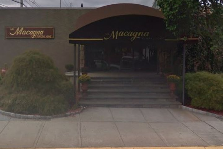 MacAgna A K Funeral Home