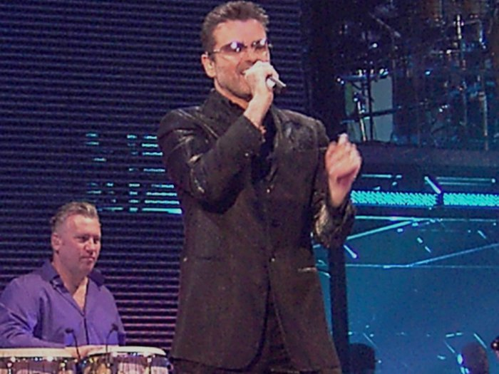 Singer George Michael's funeral will be attended by close family and friends