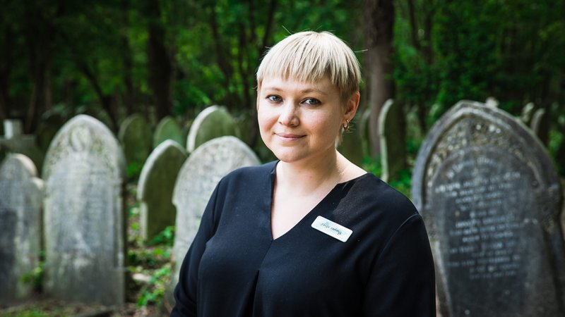 Poetic Endings, London, funeral director in London