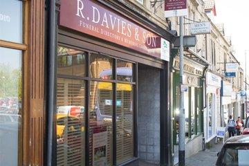 R Davies & Son Funeral Directors, Westbury-on-Trym