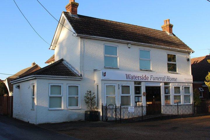 Waterside Funeral Home, Holbury