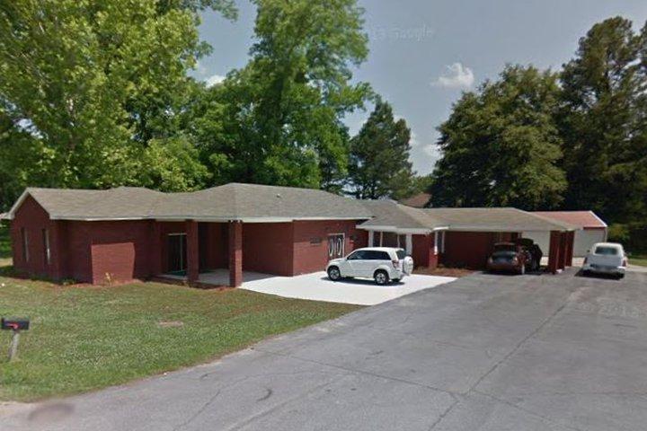 Davis Funeral Home, Prattville