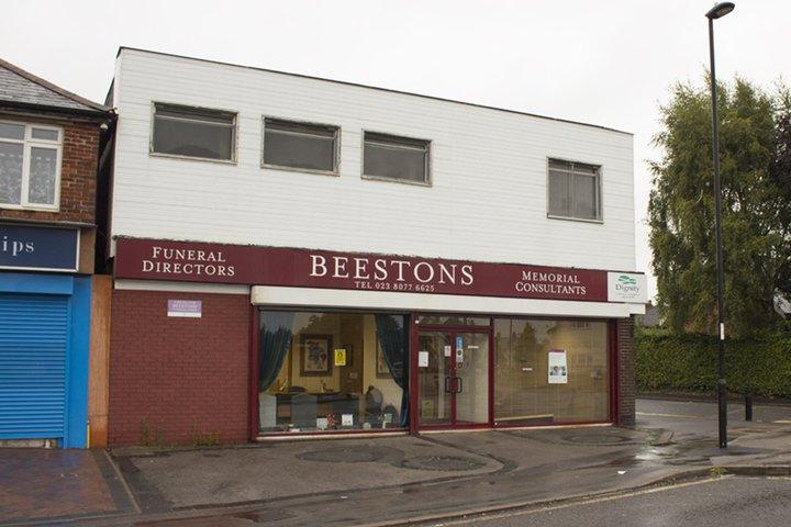 Beestons Funeral Directors, Shirley Warren