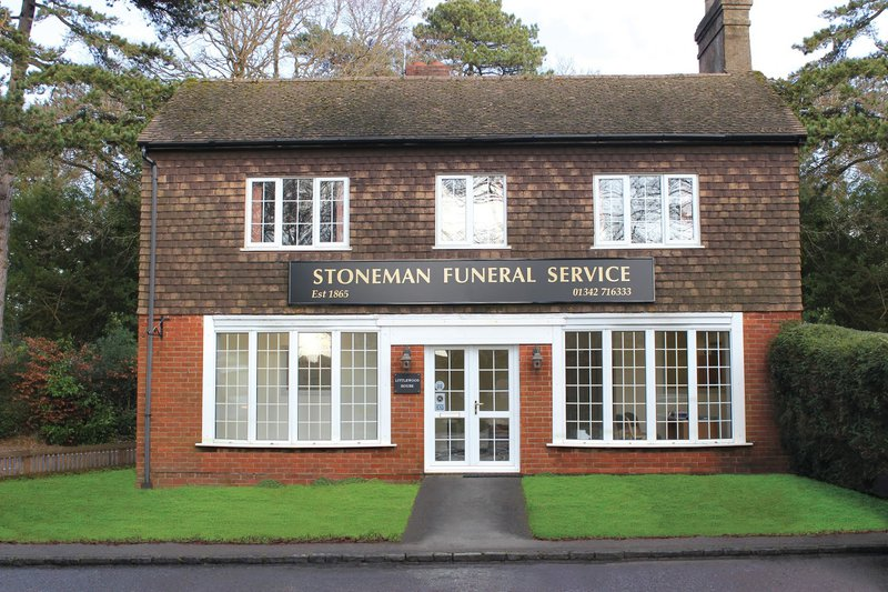Stoneman Funeral Service Crawley Down, West Sussex, funeral director in West Sussex