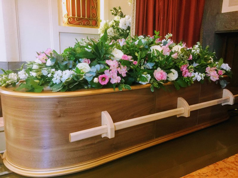 White Rose Modern Funerals, Middlesex, funeral director in Middlesex