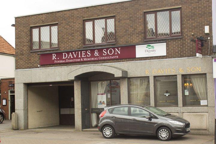 R Davies & Son Funeral Directors, Horfield