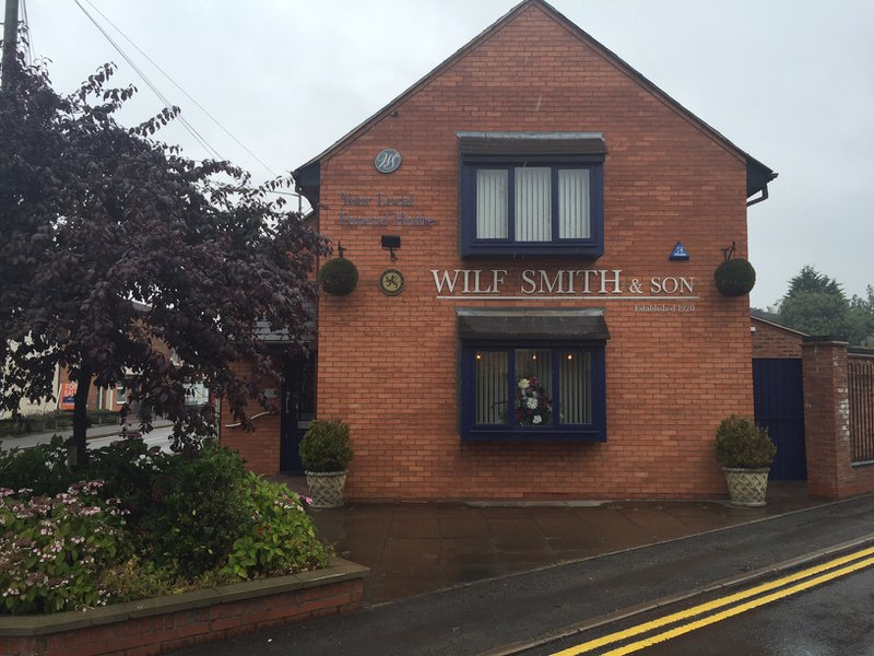 Wilf Smith & Son Funeral Directors, Bilton, Warwickshire, funeral director in Warwickshire