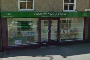 Elizabeth Snell & Family, Westbury