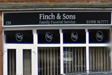 Finch & Sons, Queensway