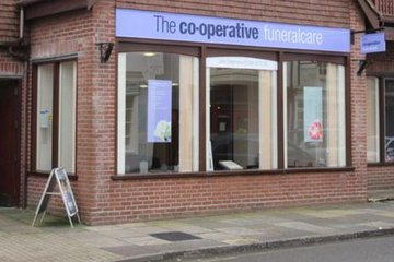 The Co-operative Funeralcare, Lymington