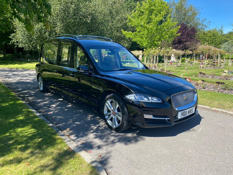 Holmes & Family, Staines-Upon-Thames, Surrey, funeral director in Surrey
