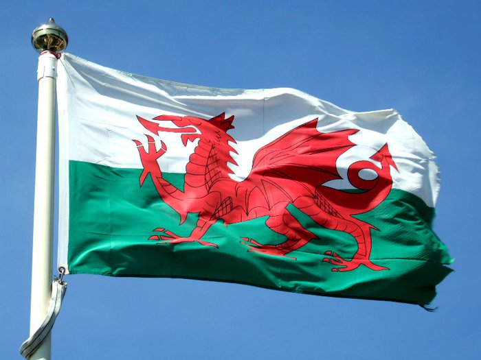 Welsh Government scraps child burial fees