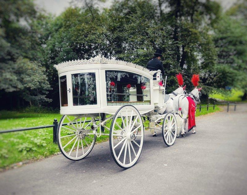 Fallon Family Funerals, Droylsden, Manchester, funeral director in Manchester