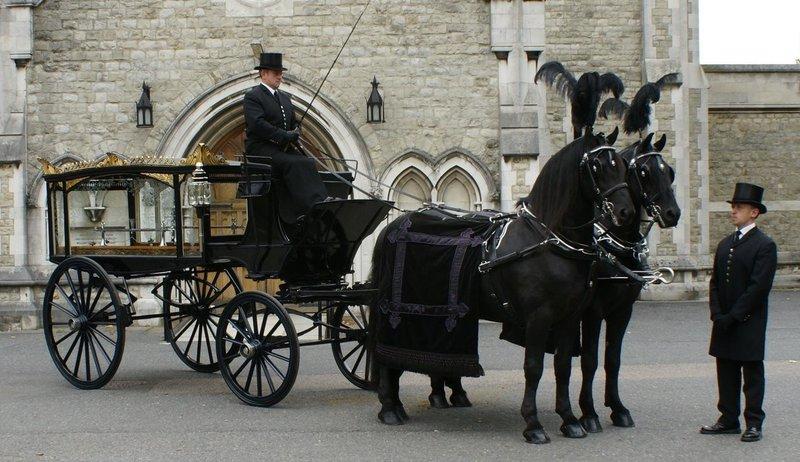 J Worley (Funeral Directors) Ltd.- Berkhamsted, Hertfordshire, funeral director in Hertfordshire