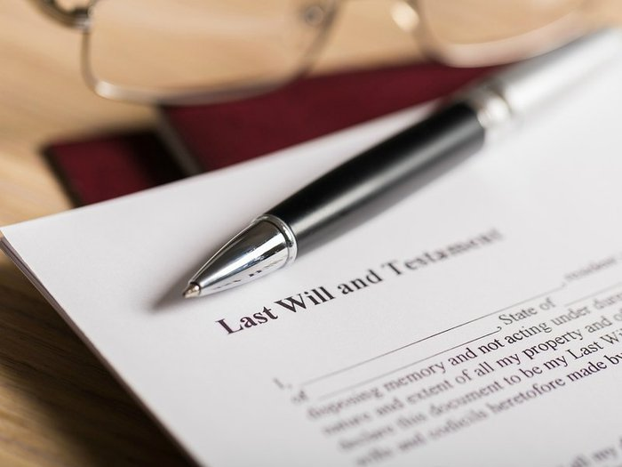 Last will and testament with charity legacy