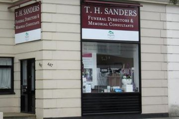 T.H Sanders & Sons Ltd, East Sheen