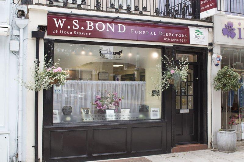 W S Bond Funeral Directors, Chiswick