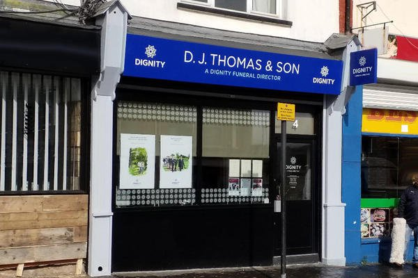 D J Thomas & Son Funeral Directors - Bargoed