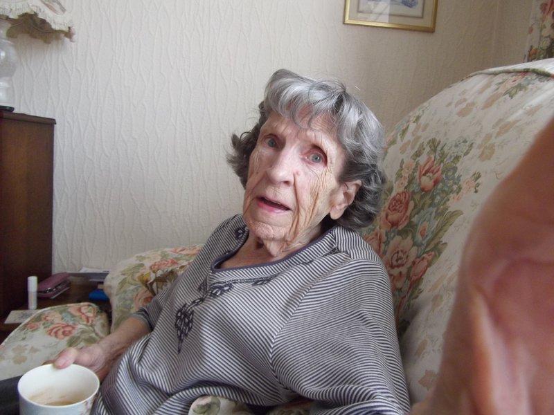 Lily Vera aka Lilian, Pat Hill