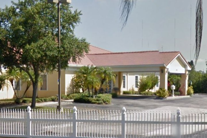 Blount & Curry Funeral Home, Tampa Silvermill