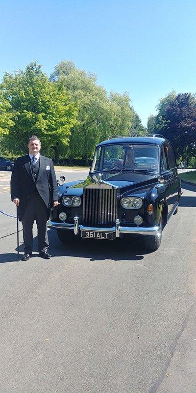 Mitchells Funeral Directors, Glasgow, funeral director in Glasgow