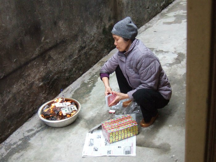 Burning joss paper for Qingming festival