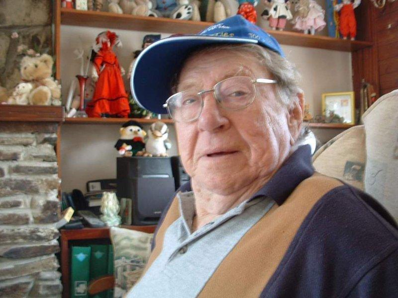 Robert Ernest 'Nobby' Clarke