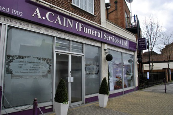 A Cain Funeral Services, Hayes