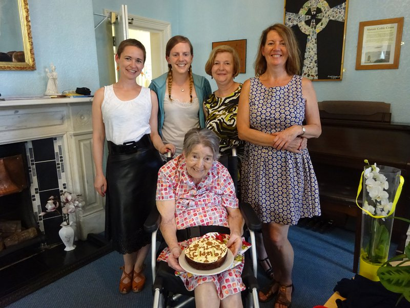 Mum's 88th Birthday with Jenny, Helen, Cath and Heather