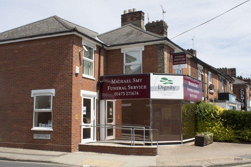Michael Smy Funeral Service, Felixstowe Rd, Suffolk, funeral director in Suffolk