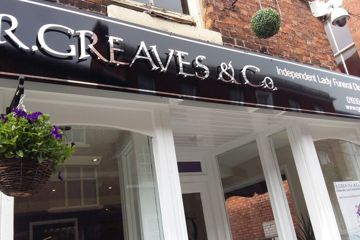 R.Greaves & Co